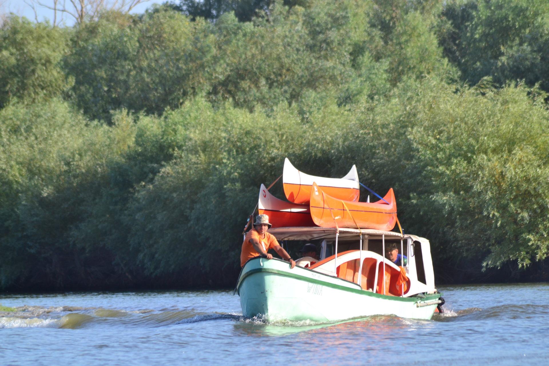 caiac canoe in Delta Dunarii
